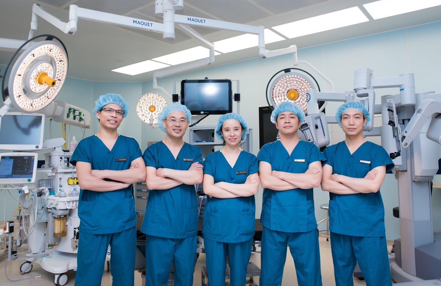Đội ngũ các y bác sĩ tại Vinmec (hình minh hoạ)