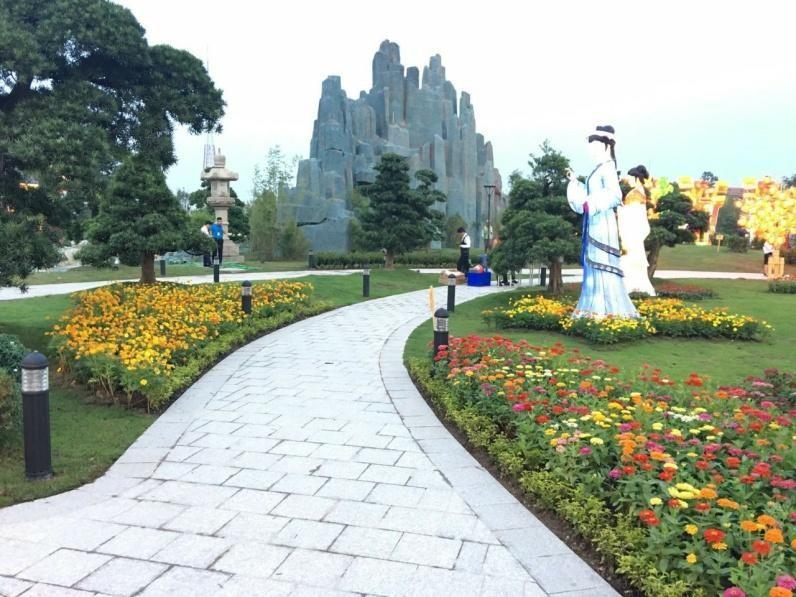 Vệ sinh môi trường luôn được đảm bảo (Ảnh được chụp tại vườn Nhật – KĐT Vinhomes Smart City)