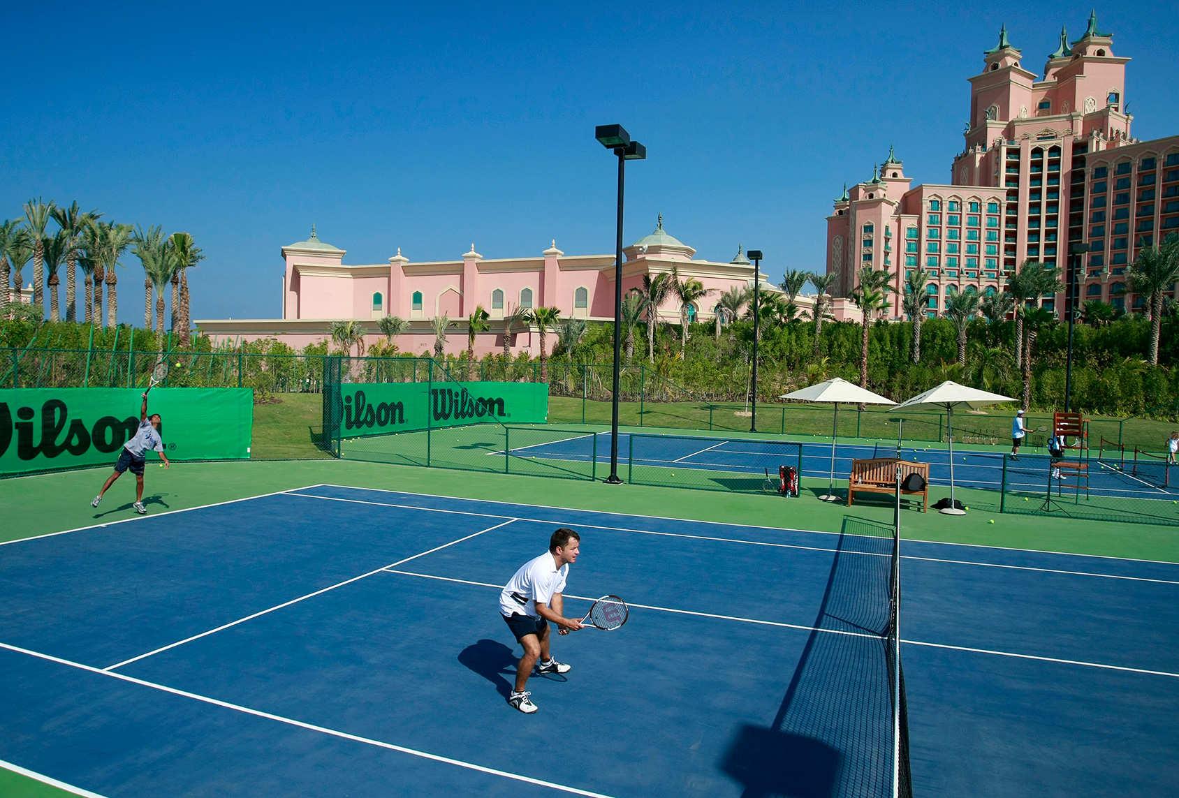 Ảnh minh họa: Sân tennis tại KĐT Vinhomes